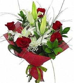 1 dal kazablanka 5 kırmızı gül buketi  Kırşehir çiçek servisi , çiçekçi adresleri