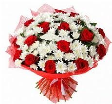 11 adet kırmızı gül ve 1 demet krizantem  Kırşehir çiçek online çiçek siparişi