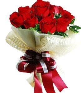 9 adet kırmızı gülden buket tanzimi  Kırşehir çiçek yolla , çiçek gönder , çiçekçi
