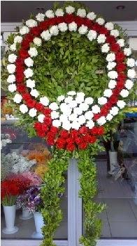 Cenaze çelenk çiçeği modeli  Kırşehir uluslararası çiçek gönderme