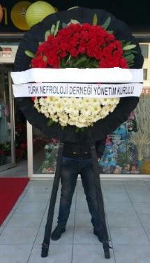Cenaze çiçek modeli  Kırşehir hediye çiçek yolla