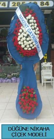 Düğüne nikaha çiçek modeli  Kırşehir çiçek gönderme