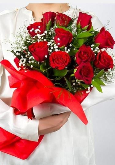Aşk Gülleri 11 Adet kırmızı gül buketi  Kırşehir çiçek yolla
