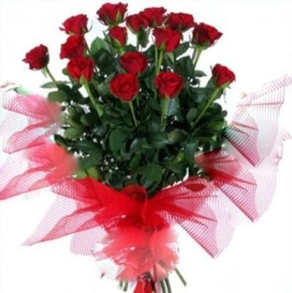 15 adet kırmızı gül buketi  Kırşehir çiçek siparişi vermek