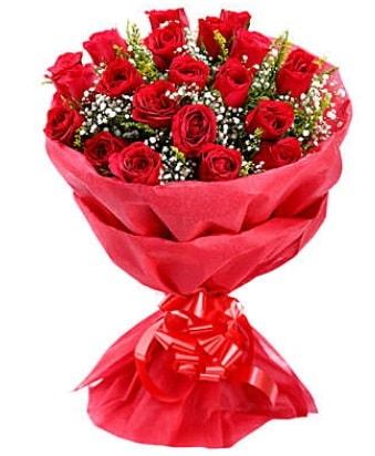 21 adet kırmızı gülden modern buket  Kırşehir çiçek gönderme sitemiz güvenlidir