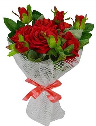 9 adet kırmızı gülden sade şık buket  Kırşehir çiçek yolla