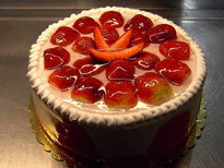 4 Kişilik Çilekli yaş pasta